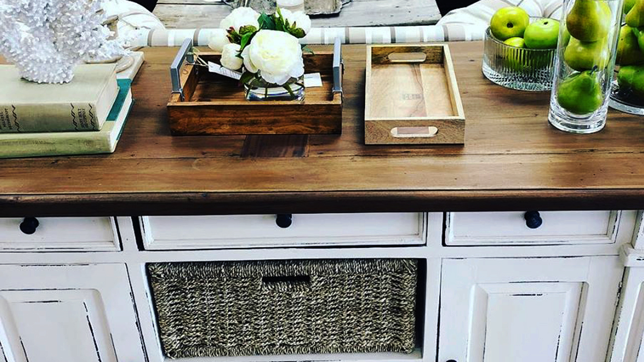 Kitchen Furniture Consignment for Your Taste and Budget